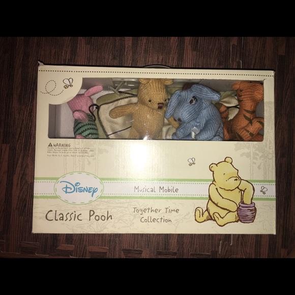 Classic Winnie the Pooh mobile NWT